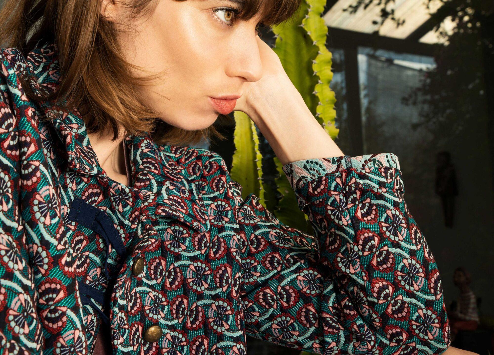 Veste lou en jacquard motifs japonais et boutonnière