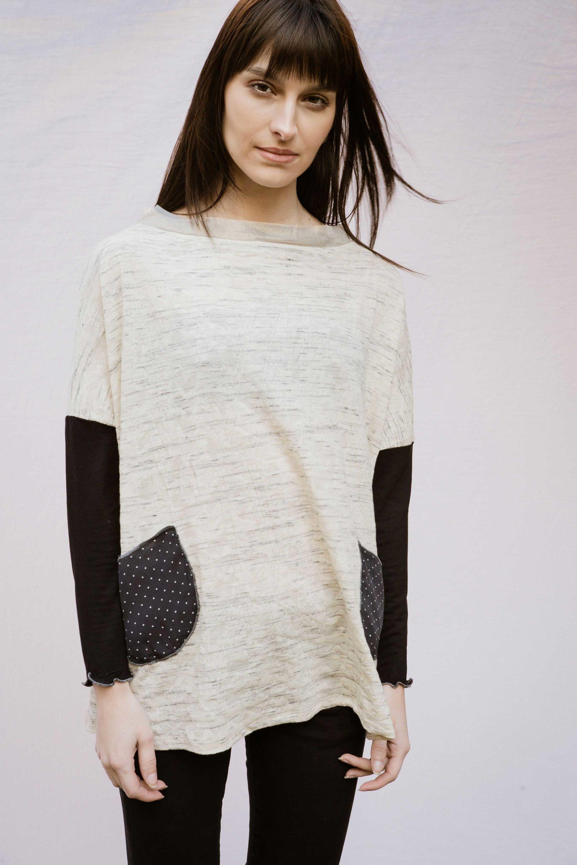 Pull poche ample en coton blanc et gris manches 3/4