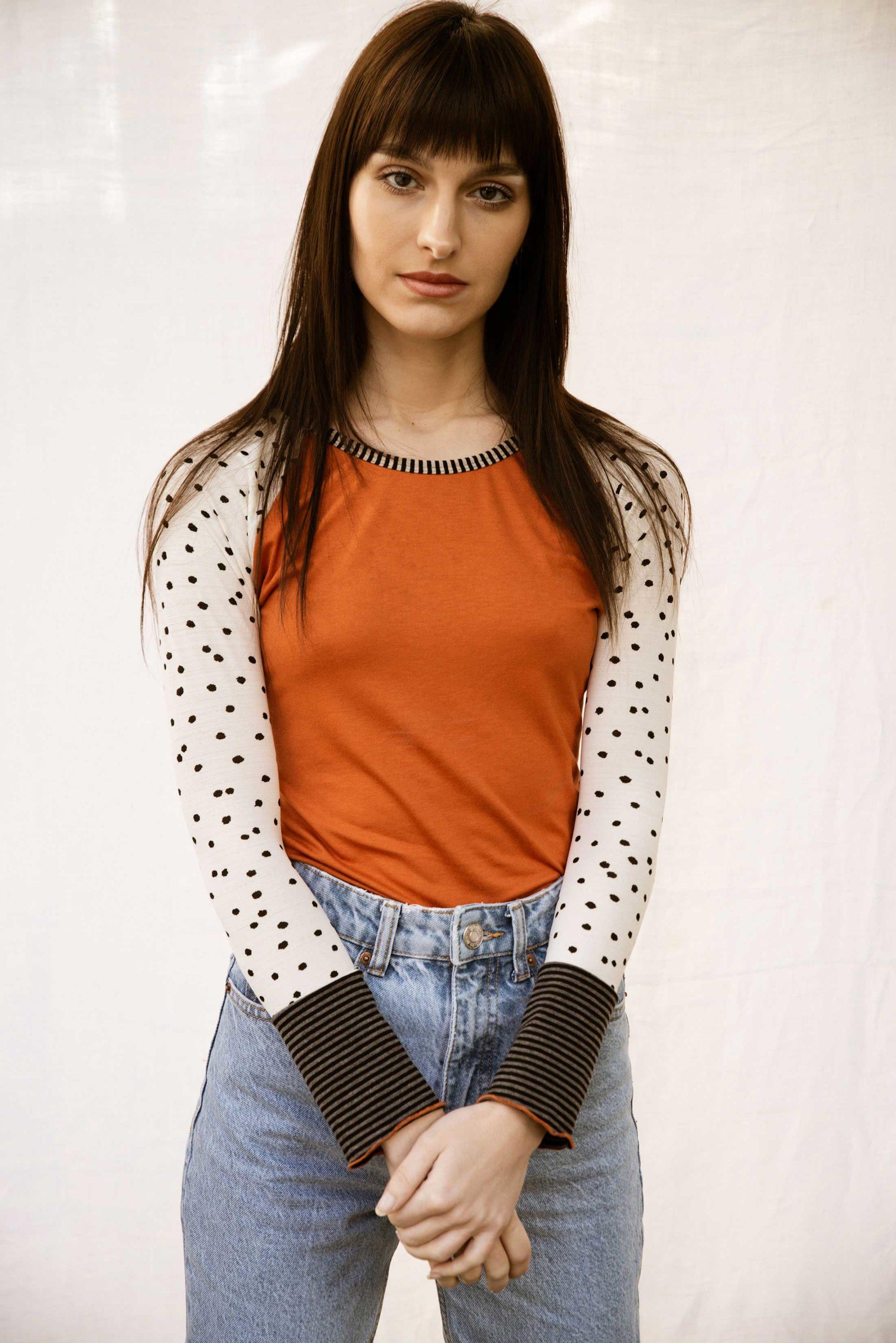 tee shirt raglan femme en jersey orange et blanc
