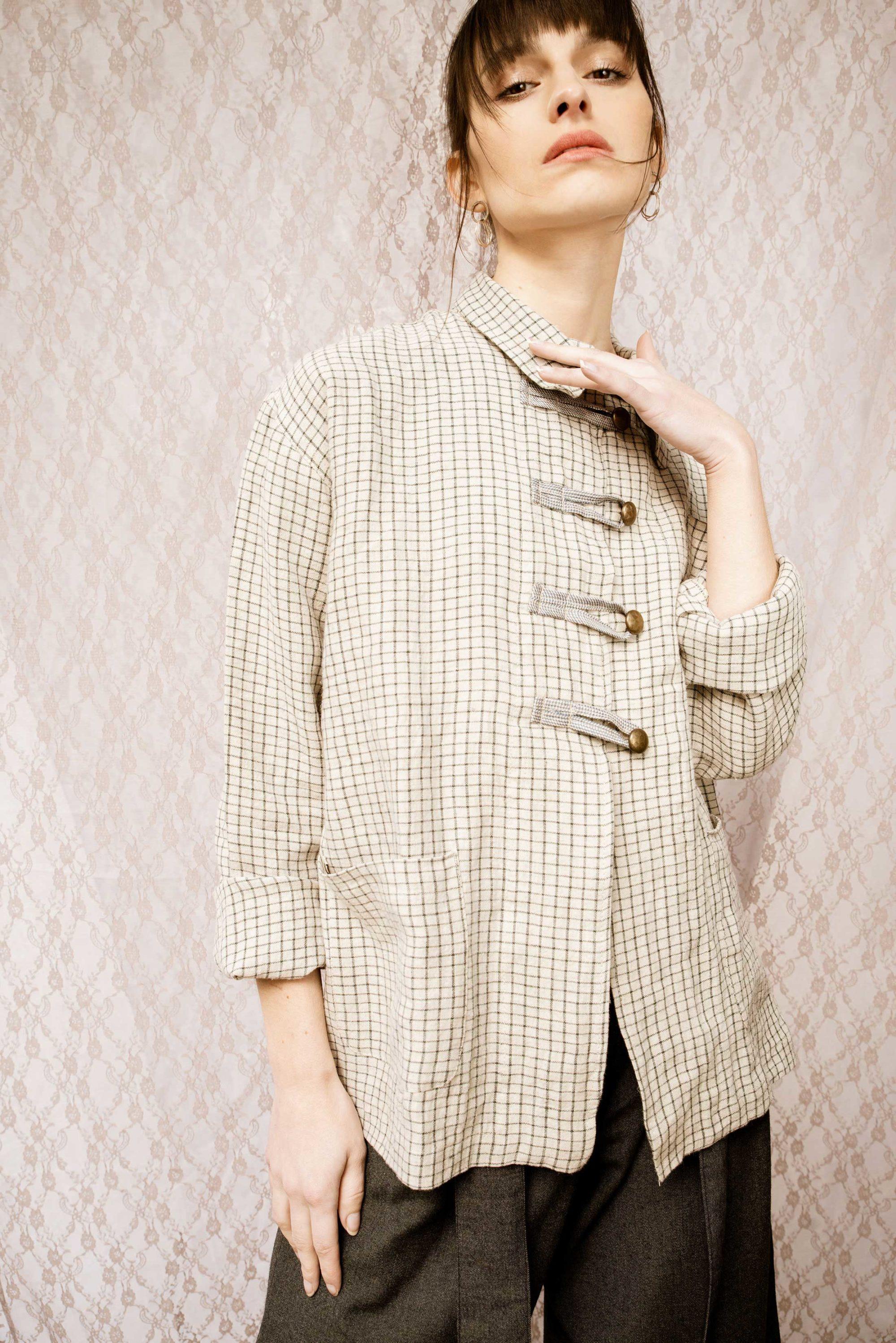 veste lou à carreaux en lin coupe droite boutonnière