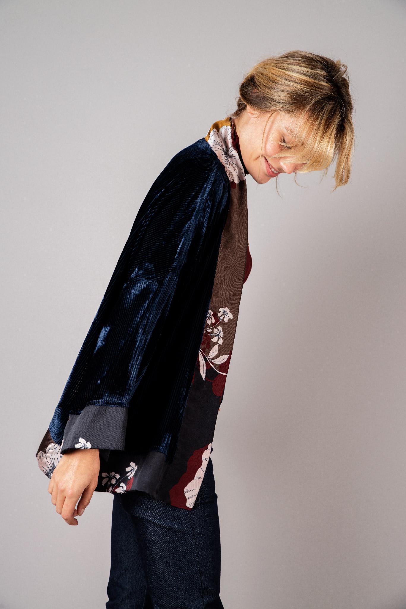 Kimono en velours de soie bleu nuit