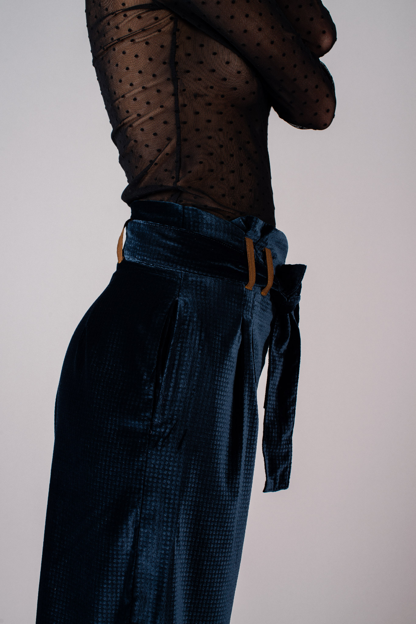 Pantalon Eva en velours bleu marine