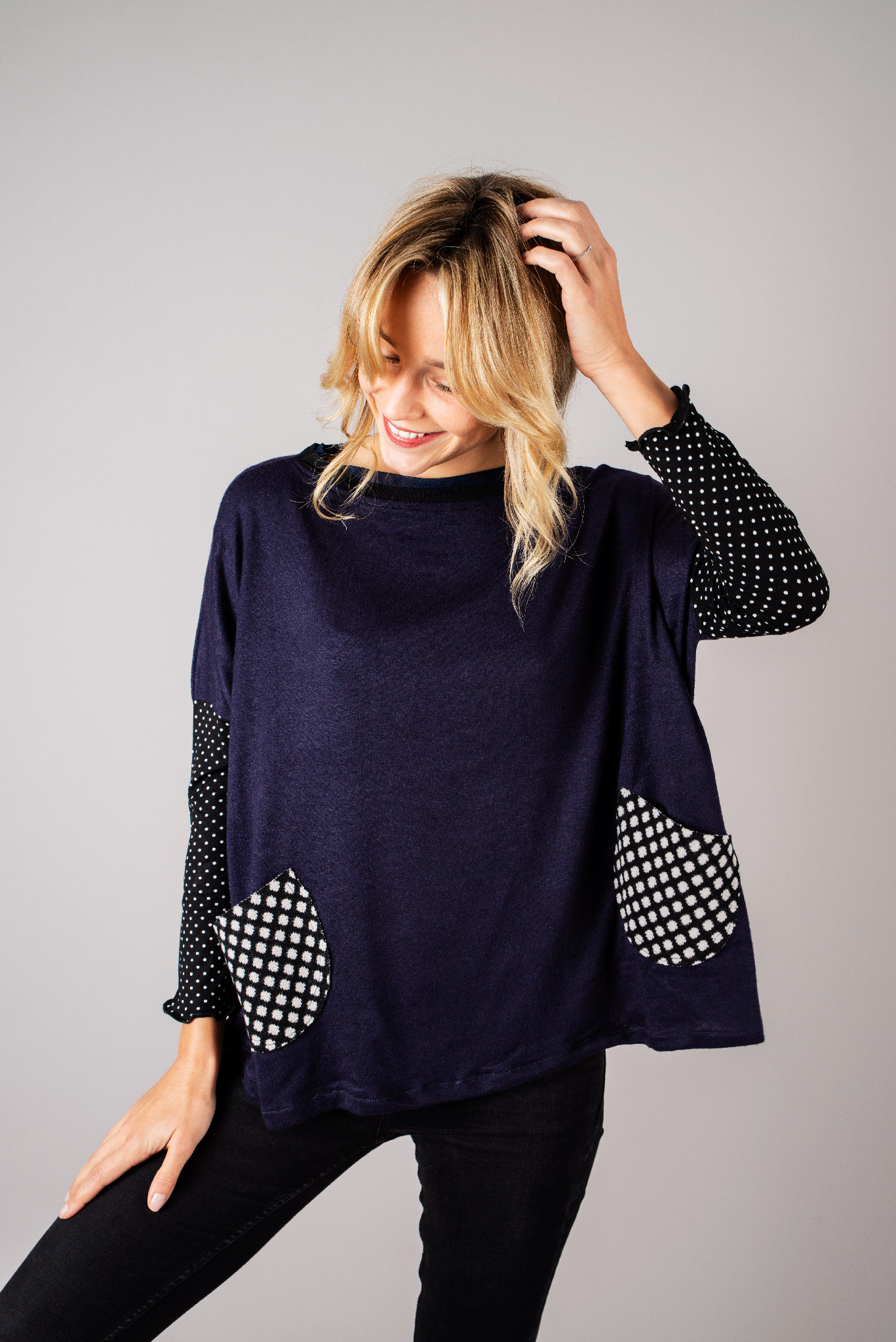 Pull poches maille bleue